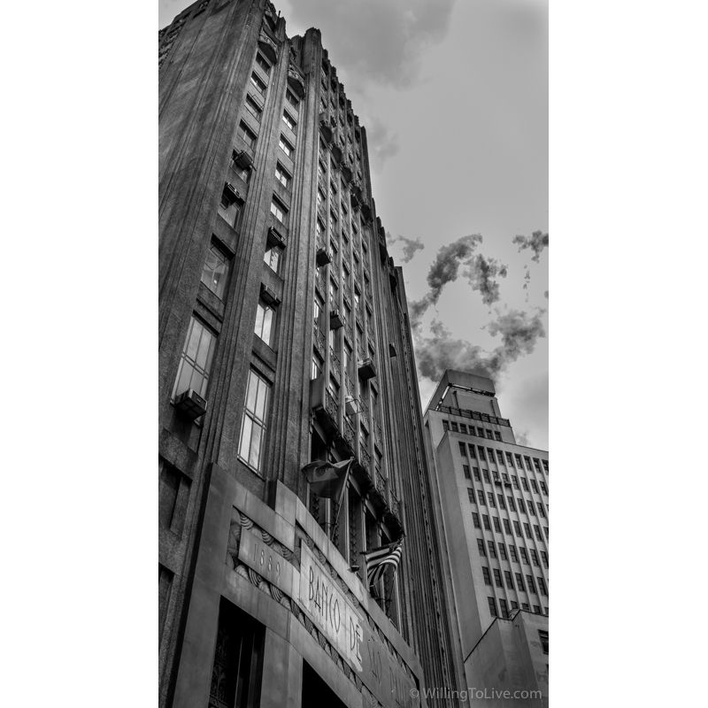 Many banks and related companies used to be near there. It was the financial center of São Paulo in the past | 38mm equiv.; f11; 1/50; ISO 100