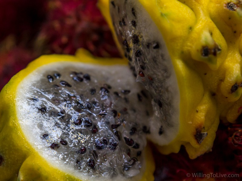 Typical market photo of a fruit, so you don't get disappointed :P | ISO 800; 168mm equiv.; f/5,6; 1/125s